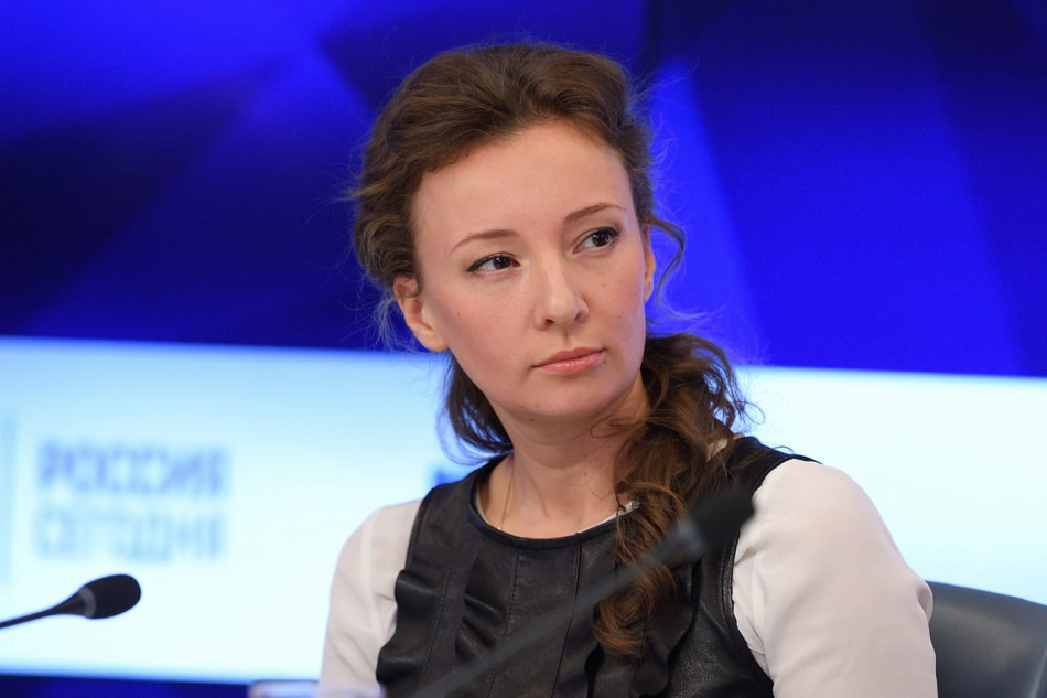 Анна Кузнецова направила обращение в Рособрнадзор с просьбой провести проверку в школе Тамбова