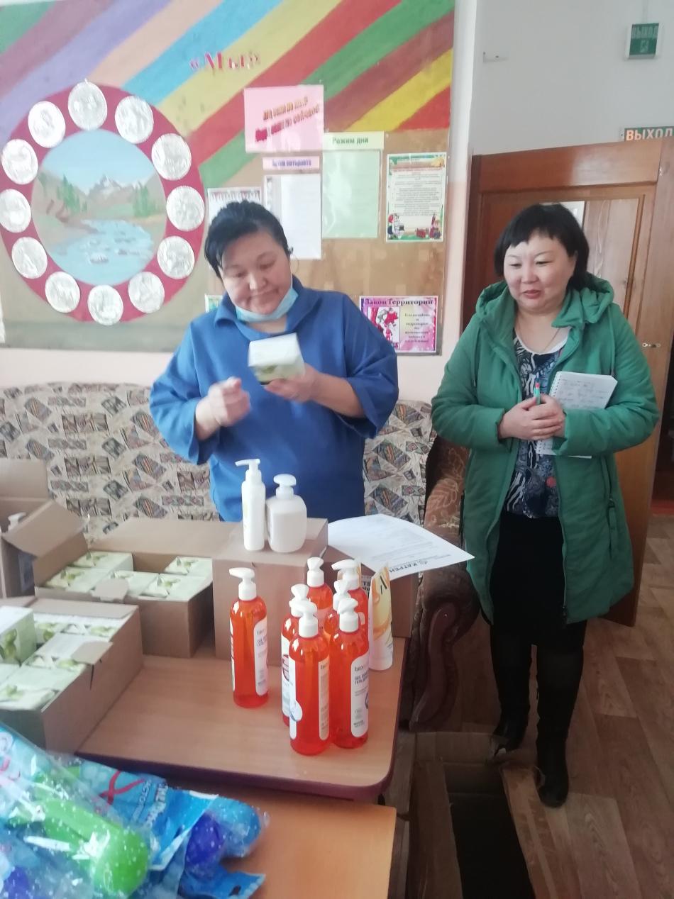 Уполномоченный по правам ребенка в Республике Алтай совместно с корпоративным благотворительным фондом «Катрен» из Новосибирска побывали в Онгудайском районе