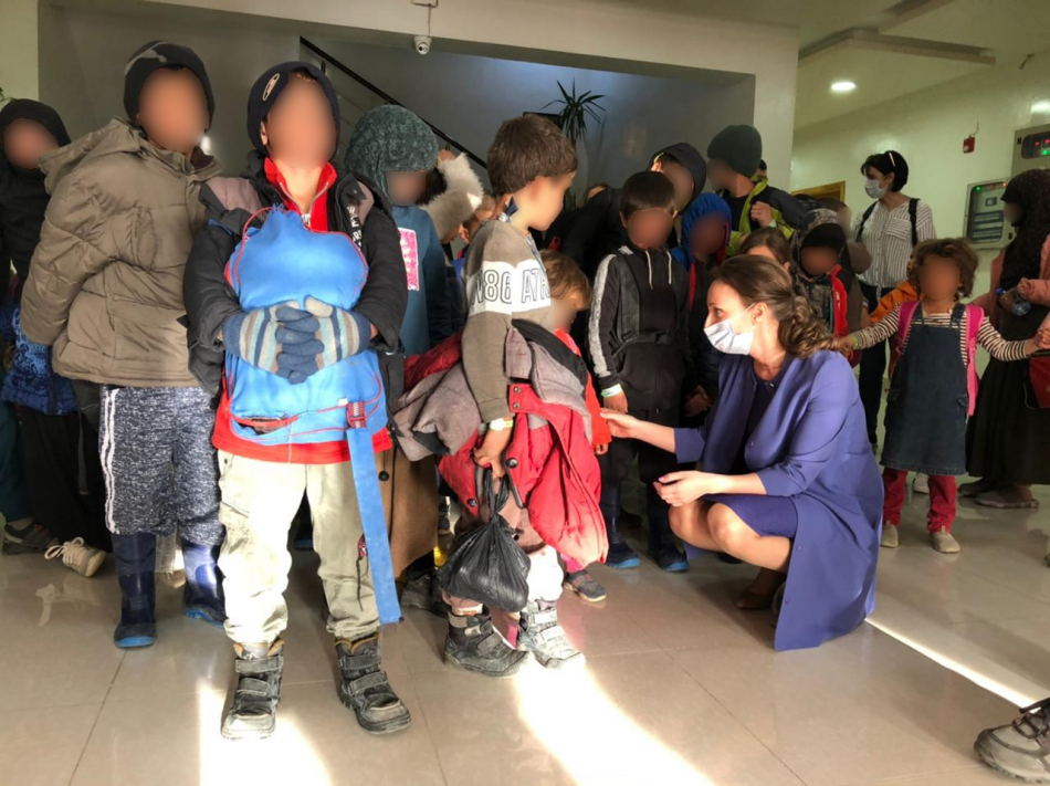 Детскому омбудсмену переданы российские дети из лагерей, неподконтрольных официальным властям Дамаска