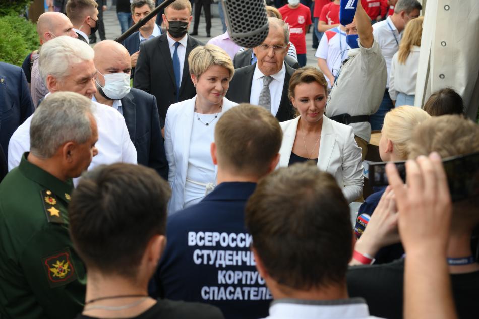 Анна Кузнецова назвала эффективным взаимодействие с общественными организациями
