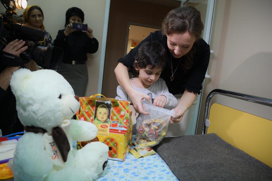Из больницы выписали Айшу, подвергшуюся жестокому обращению