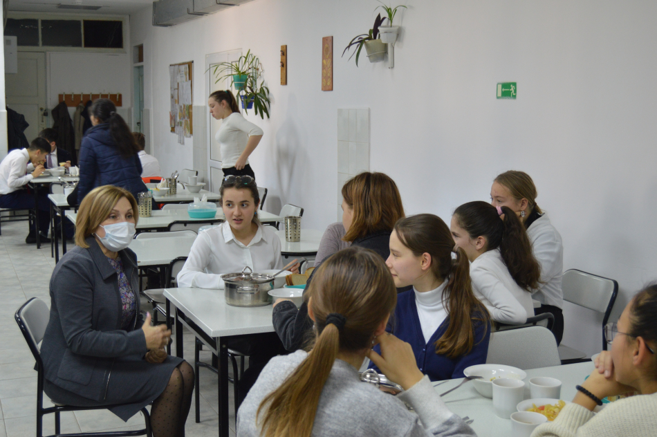 """Детский омбудсмен посетила ГБОУ """"Крымская гимназия-интернат для одаренных детей"""""""