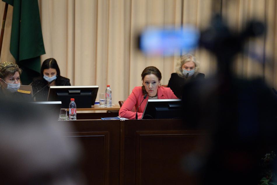 Анна Кузнецова озвучила предложения по решению проблем с обеспечением жильём детей-сирот