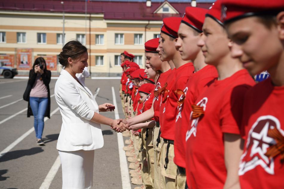Детский омбудсмен Анна Кузнецова дала старт третьему детскому фестивалю «Письмо солдату»