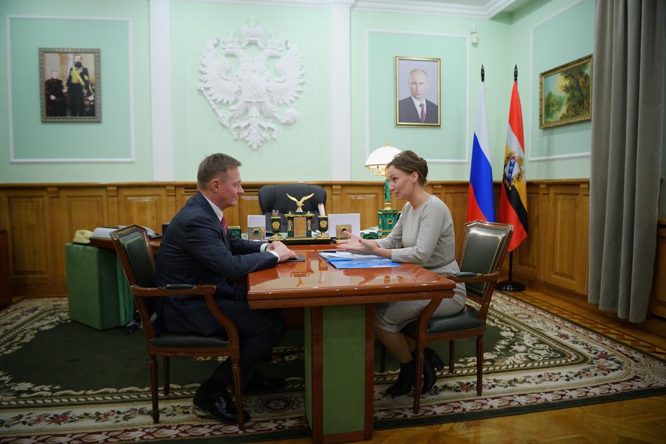 Анна Кузнецова подчеркнула необходимость приведения регионального законодательства в соответствие с федеральным законом об Уполномоченных