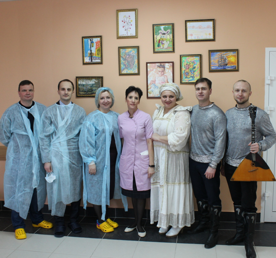 В Брянском онкогематологическом центре в преддверии международного дня детей, больных раком, состоялся концерт