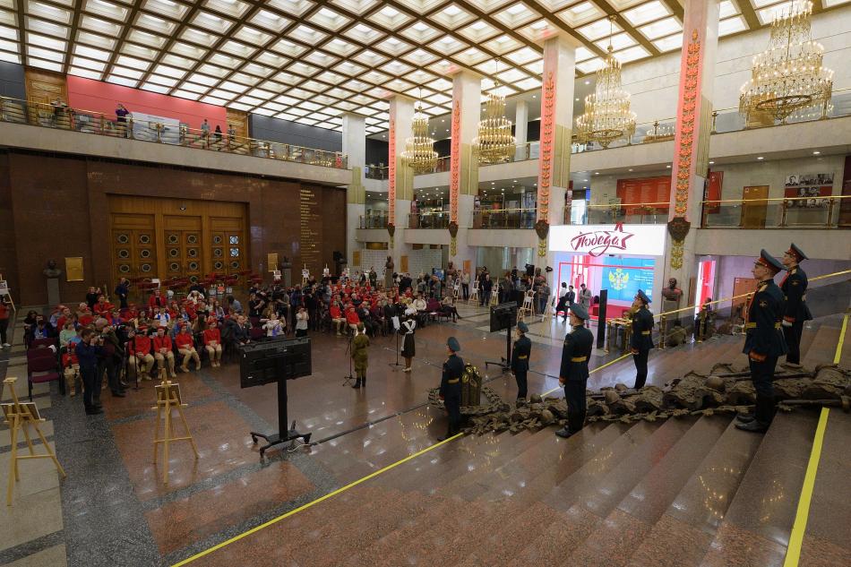 Анна Кузнецова дала старт Всероссийскому конкурсу «Письмо солдату. О детях войны»