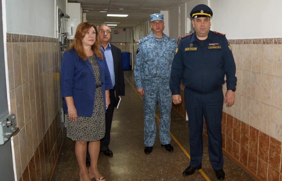 Уполномоченный при Губернаторе Сахалинской области по правам ребенка посетила следственный изолятор № 1
