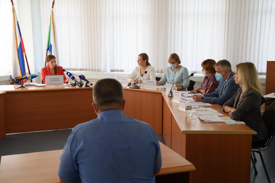 Анна Кузнецова провела личный прием граждан в Хабаровском крае