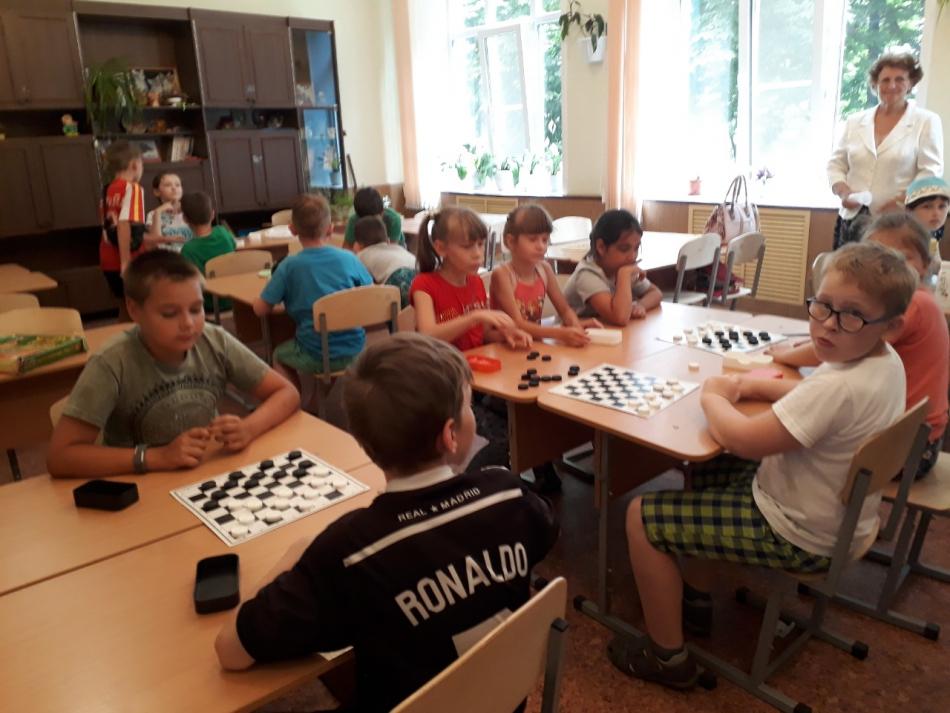 Уполномоченный по правам ребенка в Курской области посещает детские лагеря с дневным пребыванием