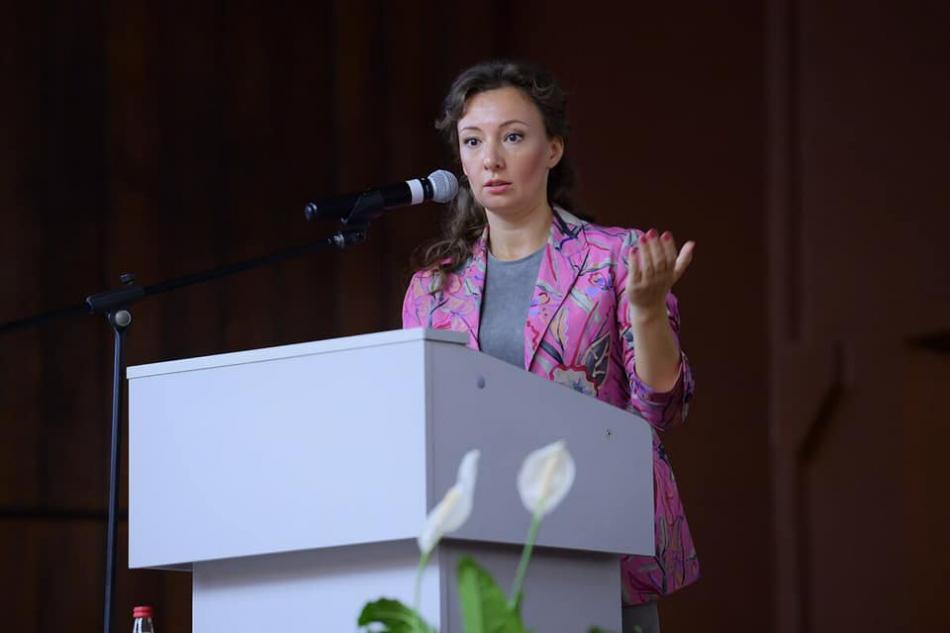 Анна Кузнецова предложила учитывать мнение детей при оценке качества образования