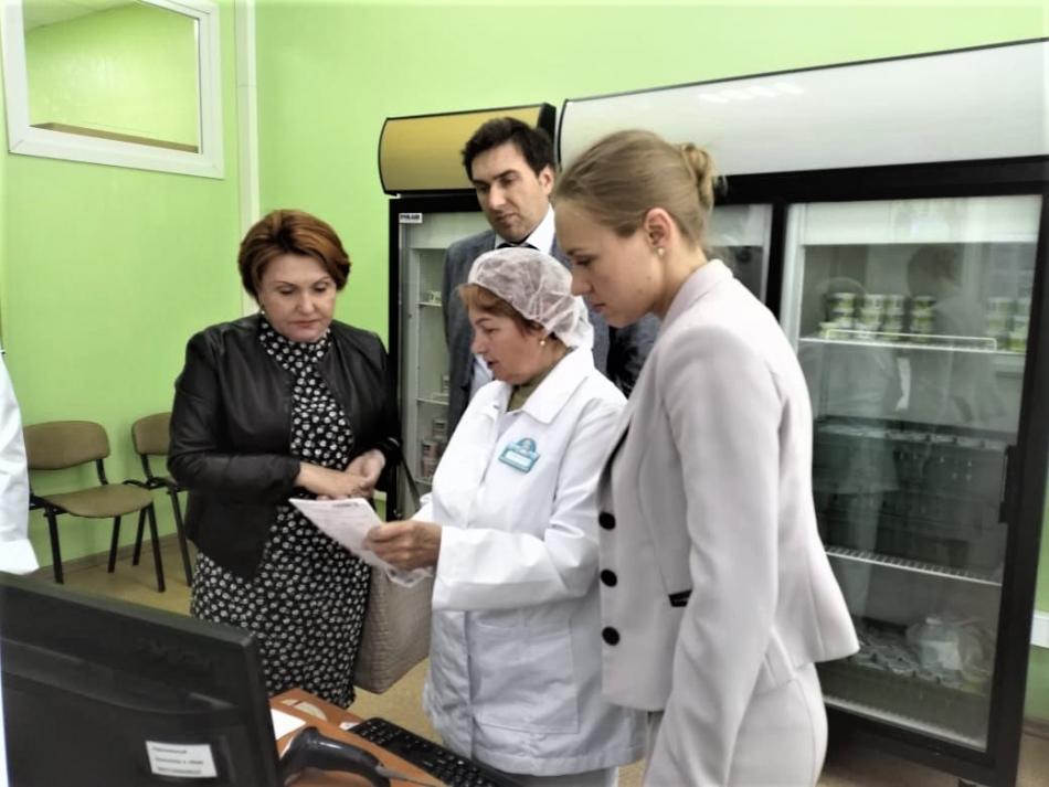 Уполномоченный по правам ребенка в Новосибирской области приняла участие в открытии нового пункта «Молочной кухни»