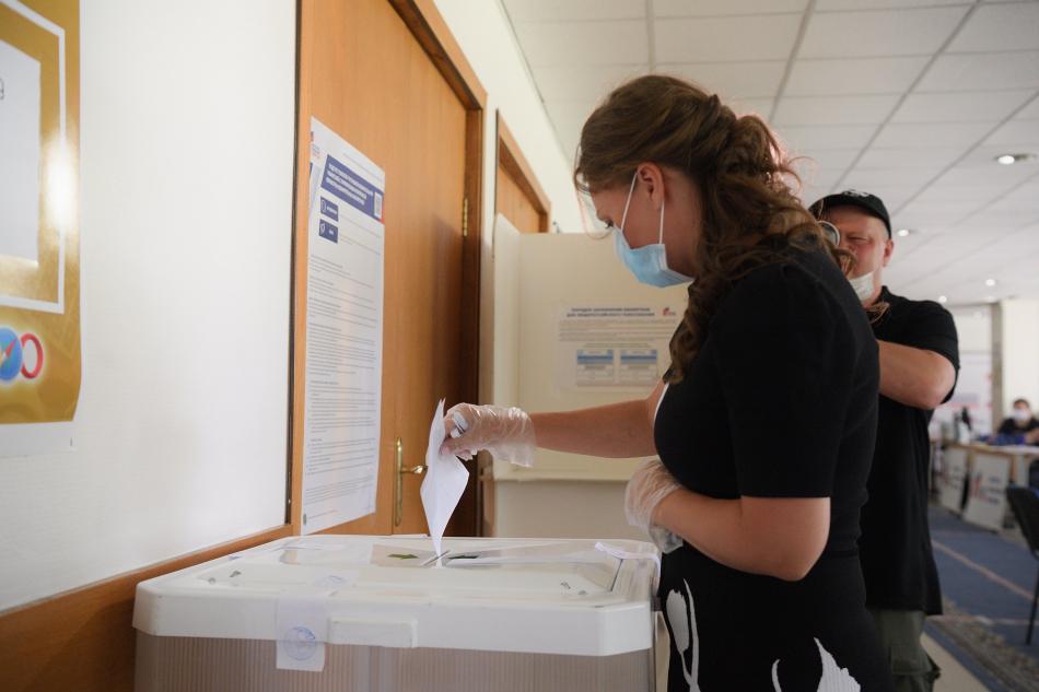 Анна Кузнецова проголосовала по поправкам в Конституцию