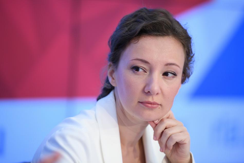 Анна Кузнецова: «Мы не ослабим внимания к судьбе мальчика из Омска и после передачи его опекуну»