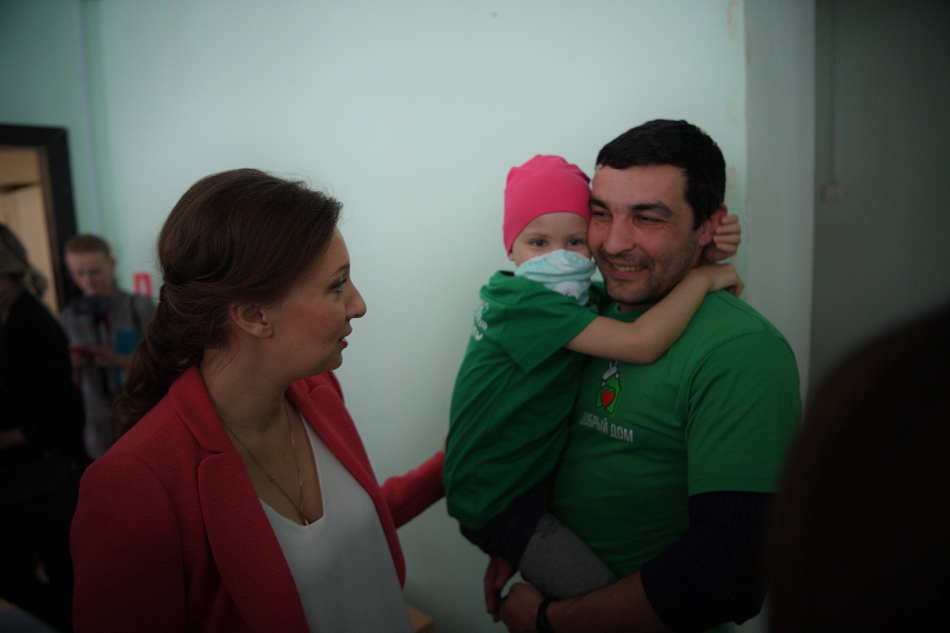 Анна Кузнецова посетила строящуюся социальную гостиницу для тяжелобольных детей из регионов
