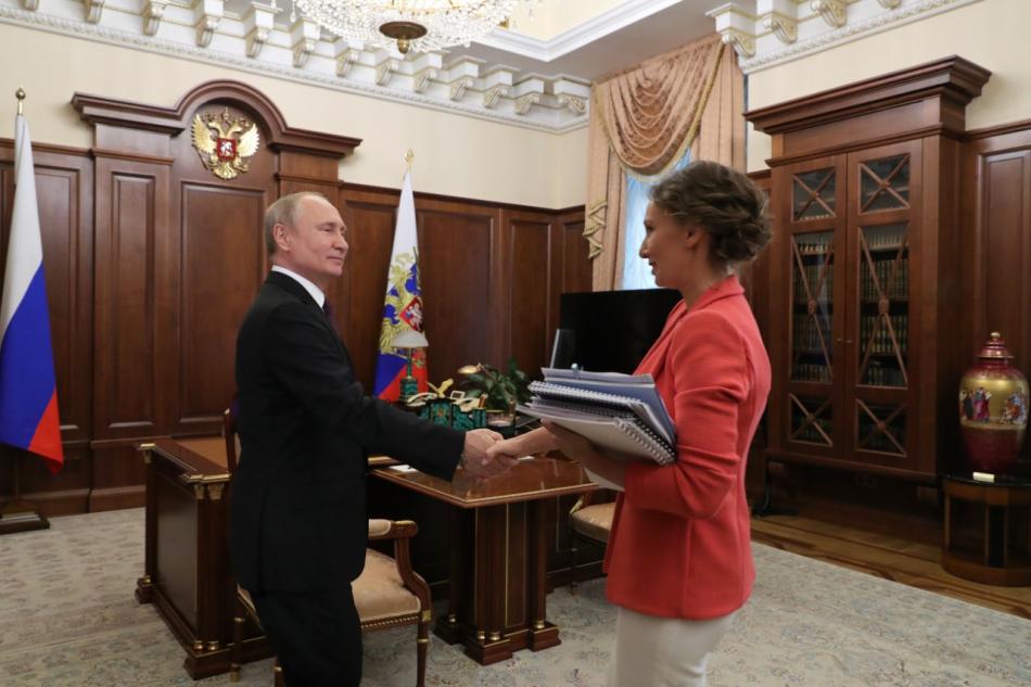 Анна Кузнецова представила Президенту РФ доклад о проделанной работе и рассказала о важных темах в сфере защиты детства