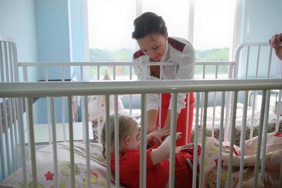 Анна Кузнецова встретила воспитанников детского дома-интерната, доставленных из Смоленской области
