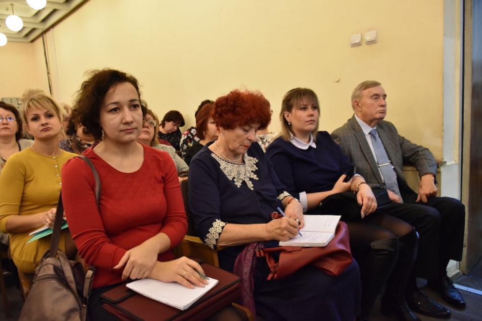 Уполномоченный по правам ребенка в Орловской области принял участие в Заседании комитета облсовета народных депутатов