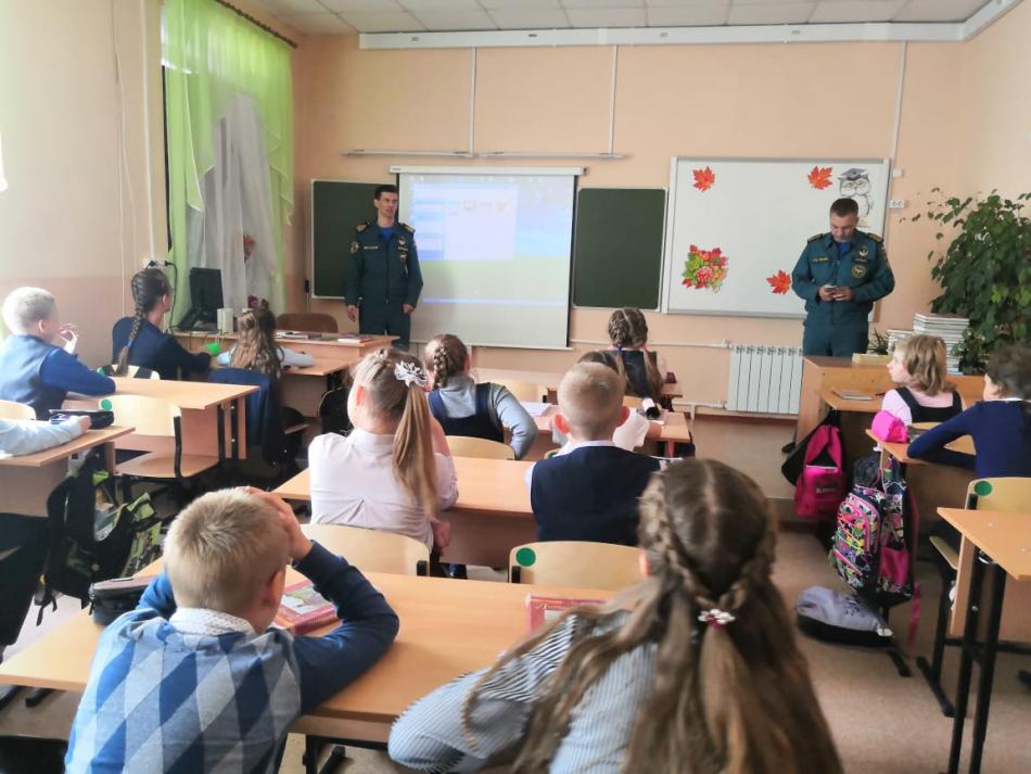 В сентябре в образовательных организациях Иркутской области проведены профилактические мероприятия в сфере безопасности на объектах транспорта