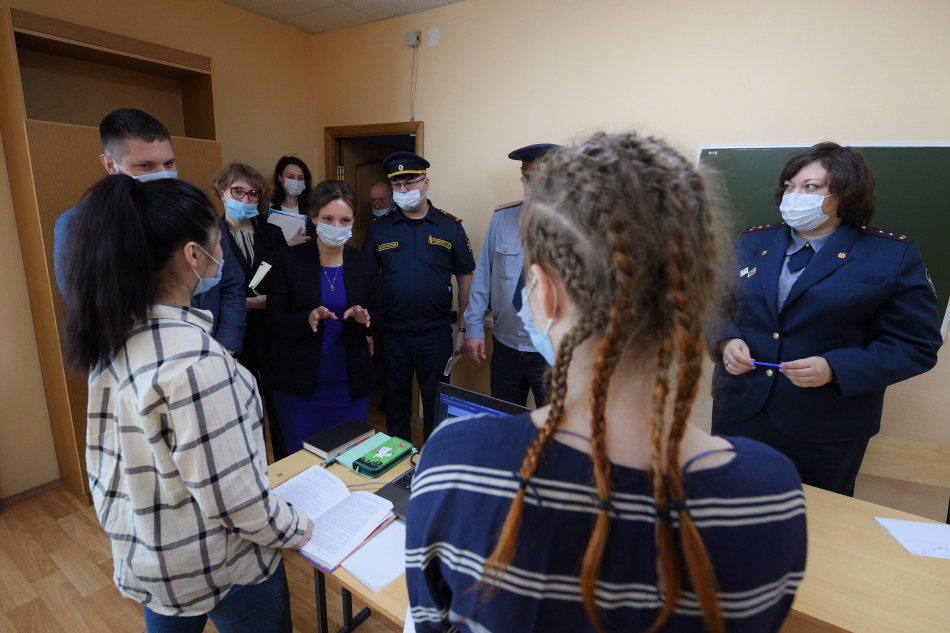 Детский омбудсмен встретилась с несовершеннолетними и беременными женщинами в СИЗО-6