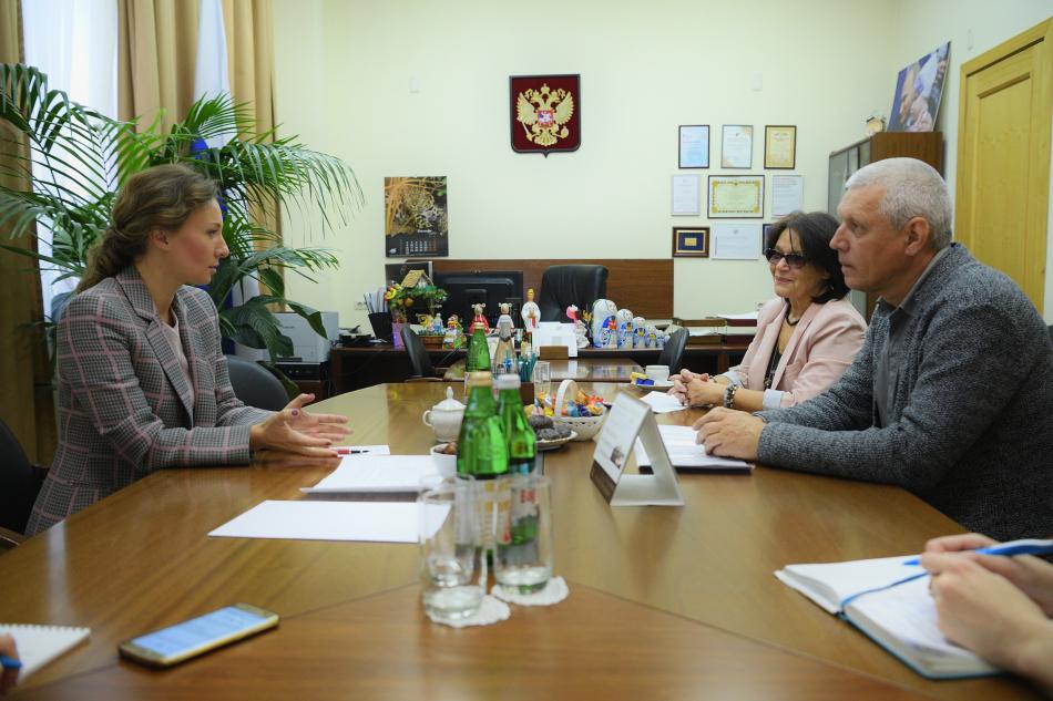 Анна Кузнецова поддержала идею проведения в РФ фестиваля кино для детей и подростков