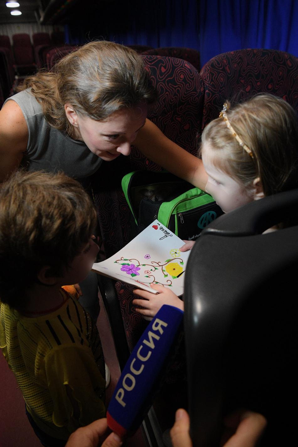 Анна Кузнецова вернула из Сирии на родину четырех российских детей