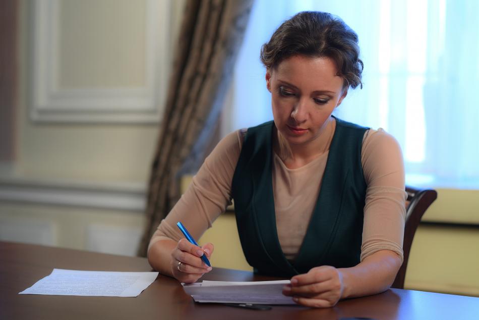 Анна Кузнецова обратилась к Губернатору Оренбургской области в связи с прекращением работы школы в Северном районе